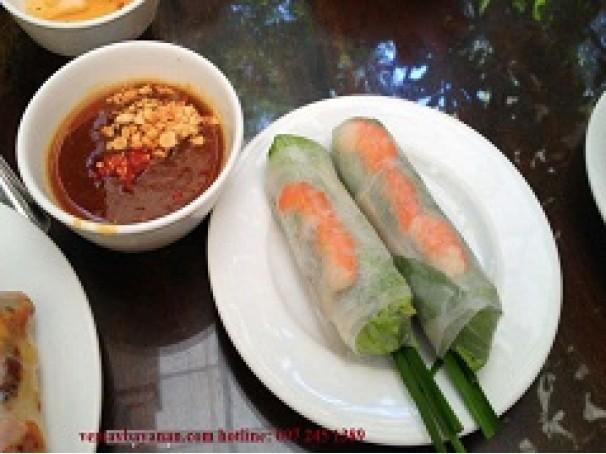 Những món ăn ngon nhất Việt Nam trong mắt khách Tây